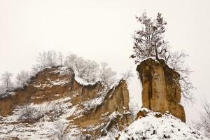 Le rocche innevate di S.Stefano Roero. Foto di Carlo Avataneo.
